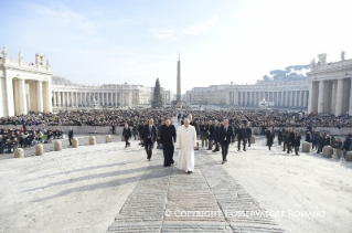 Pope Francis General Audience: God hears our cry and makes a covenant