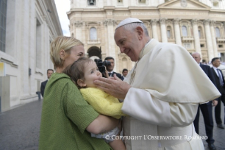 Pope Francis General Audience: Mercy is Light